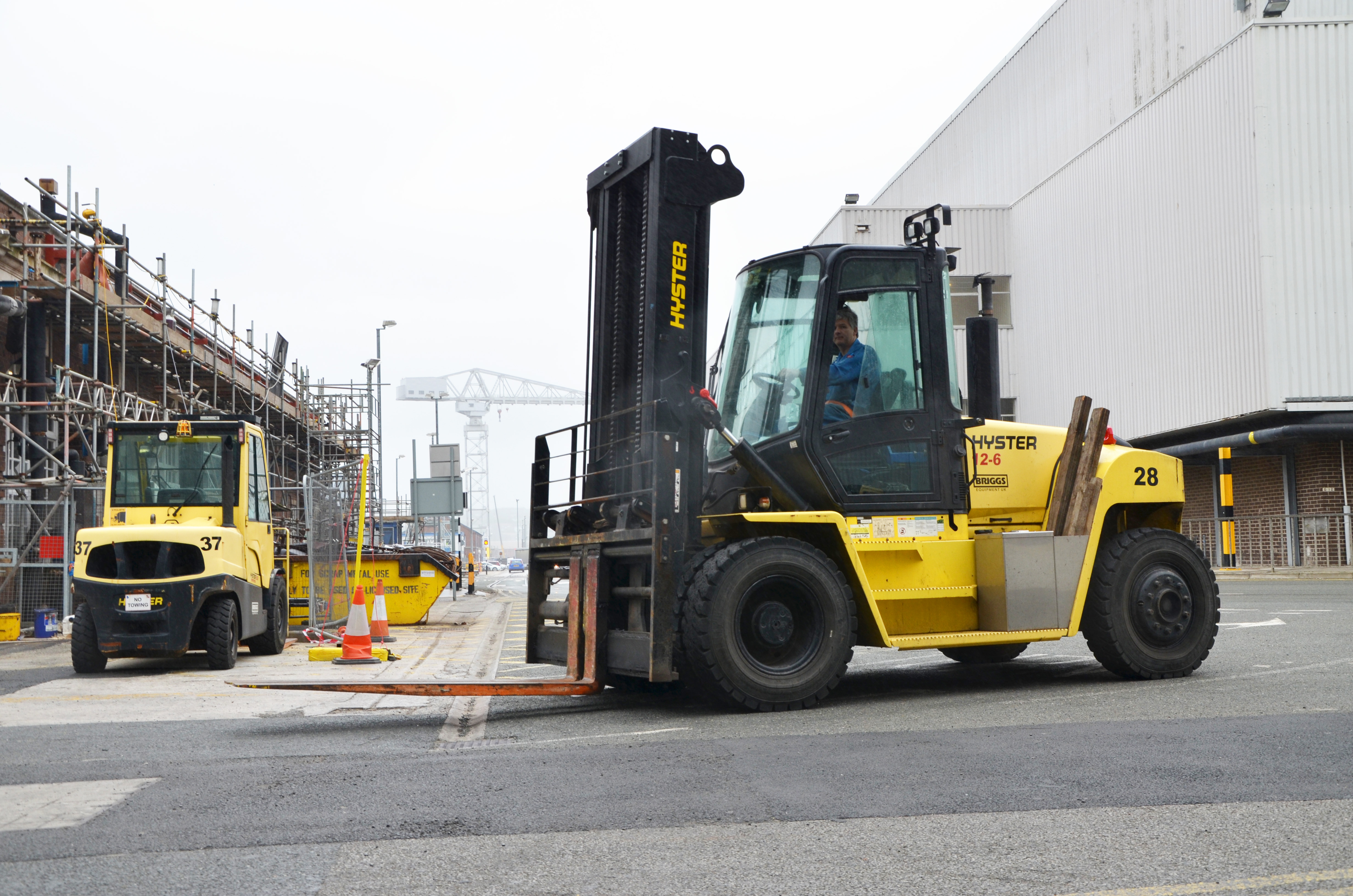 Fork Lift Controls : Naval base automates fleet control with hyster tracker